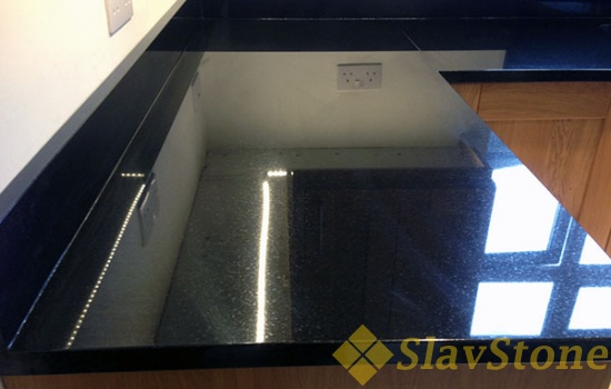 Столешница из искусственного камня Hanex BL-012 Wine Black